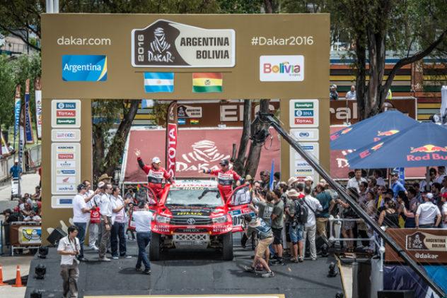 """Acht Jahre, sechsmal Podium –  Giniel de Villiers und Dirk von Zitzewitz bei der """"Dakar"""" 2016 auf Rang drei"""