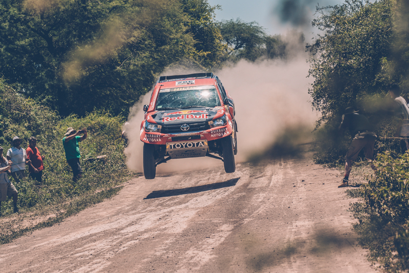 Giniel de Villiers (ZAF) of Toyota Gazoo Racing SA races during stage 2 of Rally Dakar 2017 from Resistencia to San Miguel de Tucuman, Argentina on January 3, 2017. // Flavien Duhamel/Red Bull Content Pool // P-20170103-00420 // Usage for editorial use only // Please go to www.redbullcontentpool.com for further information. //